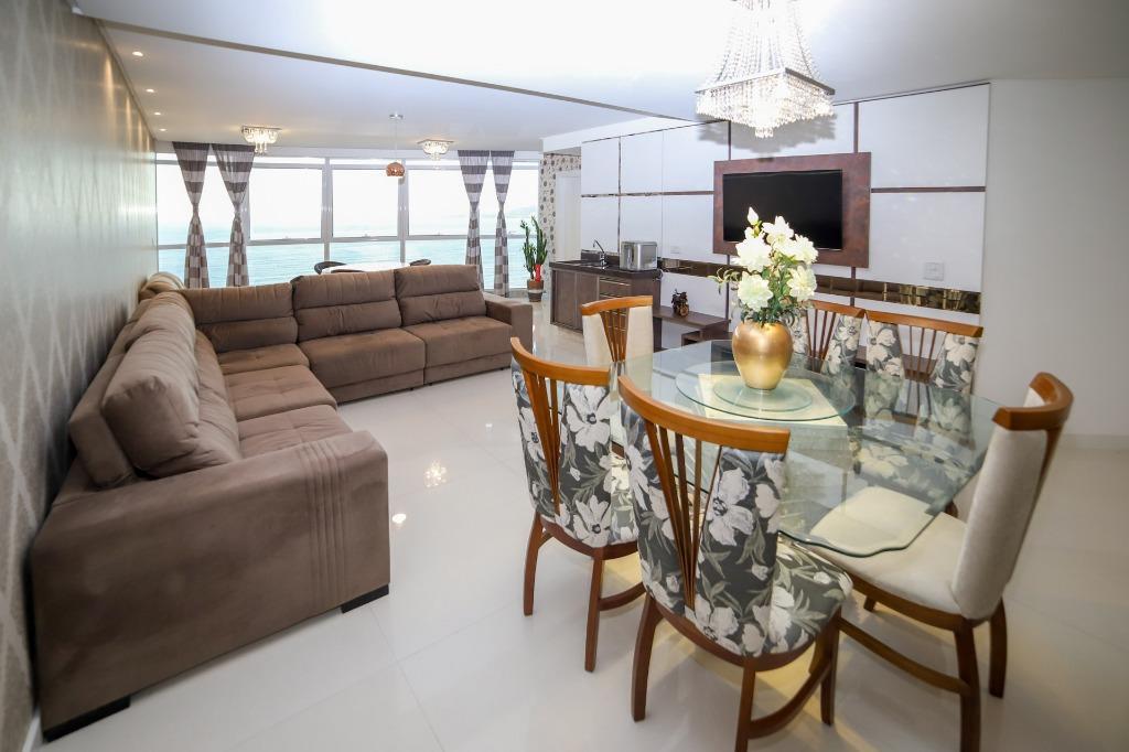Apartamento com 4 dormitórios à venda, 244 m² por R$ 1.978.900 - Meia Praia - Itapema/SC