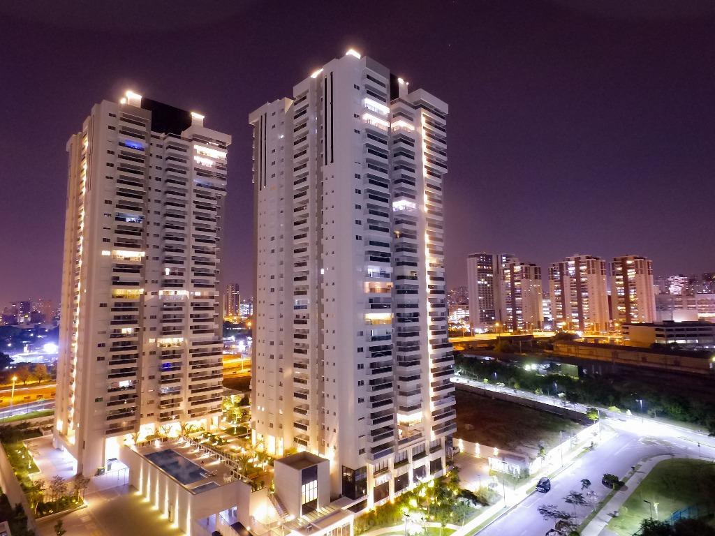 Apartamento com 2 dormitórios à venda, 79 m² por R$ 850.000