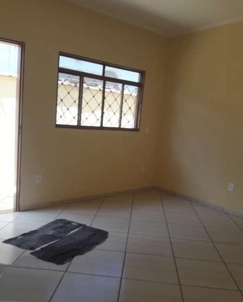 Casa com quartos para Alugar, 104 m²