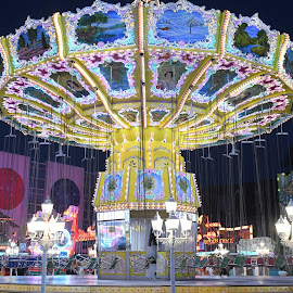 Illustration by J & M - City,  Street & Park  Amusement Parks ( image, view, illustration, amusement )