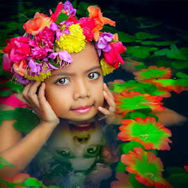 beautiful reflection in the water by Dian Susanti - Babies & Children Child Portraits