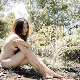 hot by Dat Nguyen - Nudes & Boudoir Artistic Nude ( tree, forest, sun )