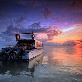 by Linggar Saputra I Wayan - Transportation Boats