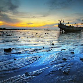 Senja Biru by Aris Winahyu BR - Landscapes Waterscapes