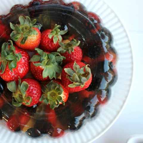 Fizzy Berries Jello Mold