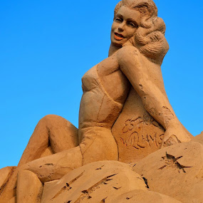 by Bob White - Artistic Objects Other Objects ( sand, model, sand sculpture, women, fiesa 2015,  )