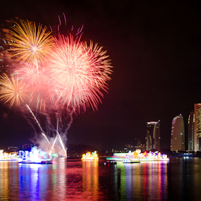 Magic Of The Night by RiNeo aFnIzAn - Uncategorized All Uncategorized ( building, firework, lake )