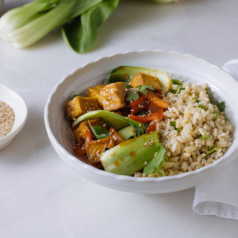 Asian Sesame Tofu With Pak Choi, Red Pepper & Brown Rice