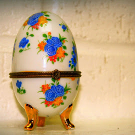 Beautiful Egg by Cecilia Sterling - Artistic Objects Other Objects