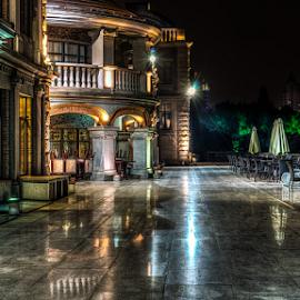 Restaurant is closed (Nantong, China), 05-2015 by Vlad Meytin - City,  Street & Park  Night ( vladsm, night scene, art photography, pictures, night city, nantong, restaurant, art pictures, photography, meytin, 中國, urban, night photography, vlad meytin, k.h. imporium co., outdoor, 南通, dark, www.flickr.com/vmwelt, china, vladsm.com, 中国 )