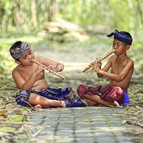 by Pande Putu Krisna Wedana - Babies & Children Children Candids