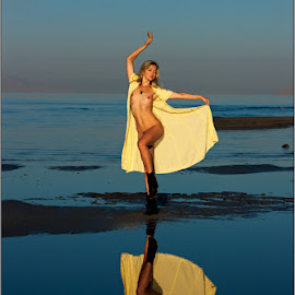 Dasha by Fred Prose - Nudes & Boudoir Artistic Nude ( blonde, yellow, beauty )