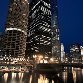 Chicago river by Cristobal Garciaferro Rubio - Buildings & Architecture Office Buildings & Hotels ( water, blue hour, chi-town, long exposure, chicago, river )