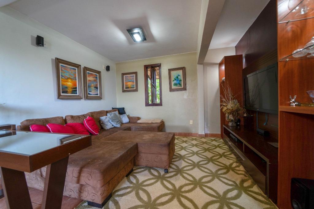Casa em Condomínio com quartos para Alugar, 400 m²