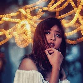 Silence  by Momo Momo - Digital Art People ( model portrait fabulous portraitofwoman woman light capturelikeapro )