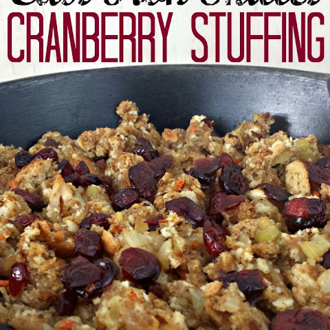 Cast Iron Skillet Cranberry Stuffing