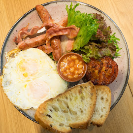 American Breakfast by Loh Jiann - Food & Drink Plated Food ( bangkok, sausages, breakfast, another cup, american breakfast, egg )