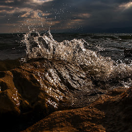 Light splash by Robert Panoski - Nature Up Close Water ( #lake #splash #wave #water #clouds @nature )