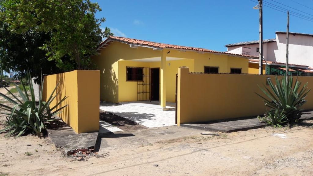 Casa de esquina em Carapibus com piscina!
