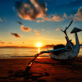Waiting The Sun by Dhiean Kukuh - Landscapes Waterscapes ( sunrise, boat, sun )
