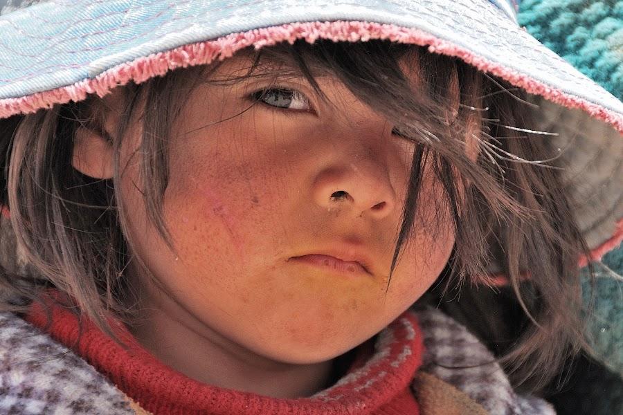 Boy by Tomasz Budziak - Babies & Children Child Portraits ( child portrait, children, bolivia, boy )