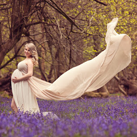 Patricia by Claire Conybeare - Chinchilla Photography - People Maternity
