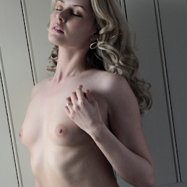 Carla by Dwayne Mathers - Nudes & Boudoir Artistic Nude (  )