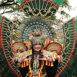 THE PEACOCK GIRL by Edi Witant - People Musicians & Entertainers (  )
