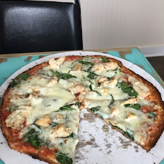 Chicken and spinach gluten free pizza