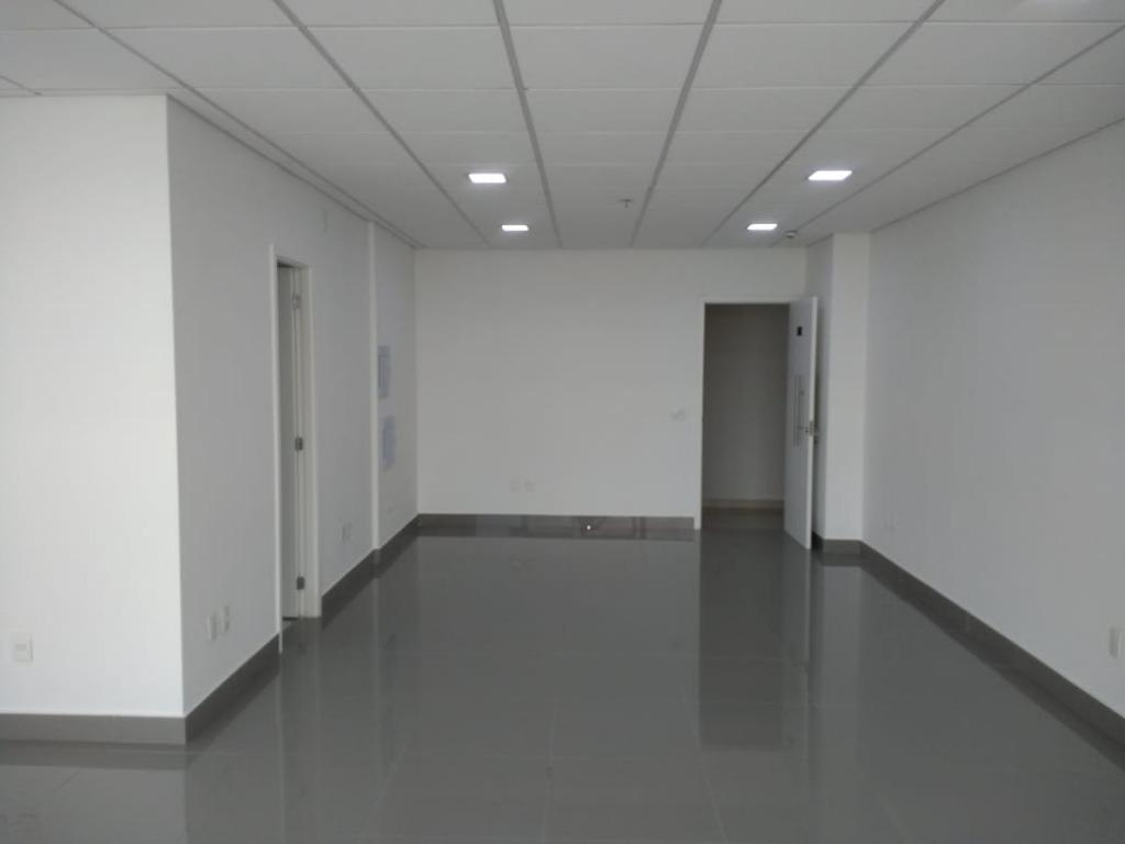 Sala comercial no Golden Office