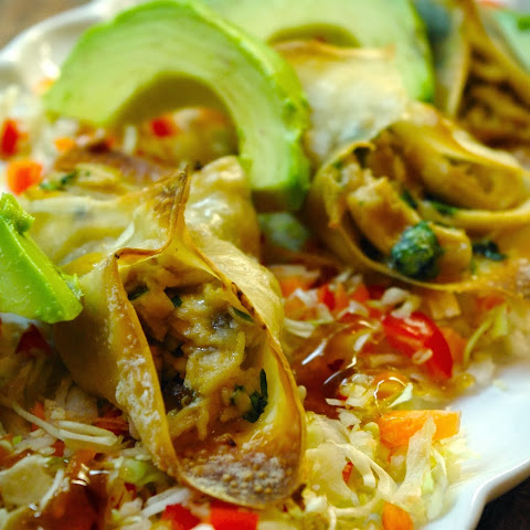 Ginger Chicken Wonton Tacos