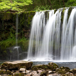 Waterfall by Simon Hutchinson - Landscapes Waterscapes ( waterfall )