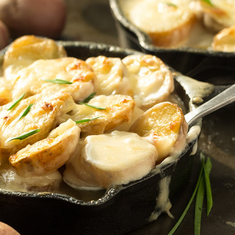 Easy Skillet Scalloped Potatoes au Gratin