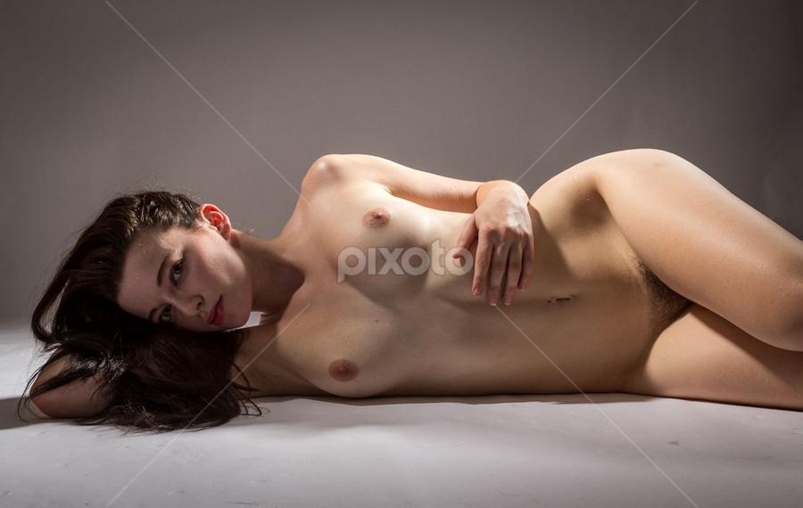 by Paul Phull - Nudes & Boudoir Artistic Nude