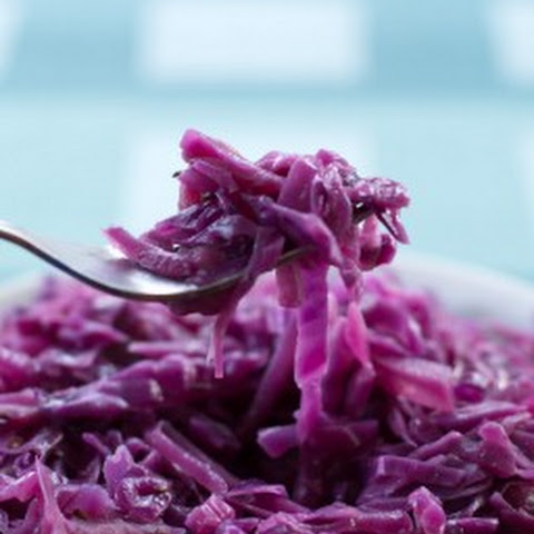 Quick Braised Red Cabbage with Cider Vinegar