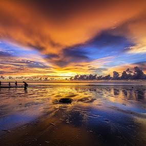Mirrored by Härris McHörrör - Landscapes Sunsets & Sunrises ( sunset, vivid, malaysia, eos7d, rain, sabah )