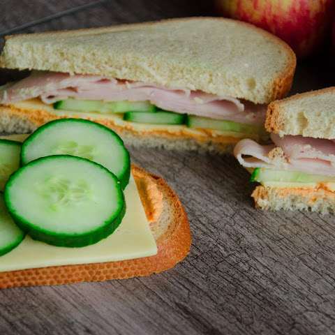 Creamy Hummus and Turkey Sandwich