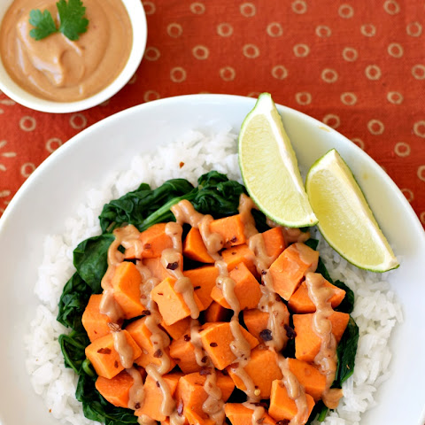Easy Everyday Thai Peanut Sauce