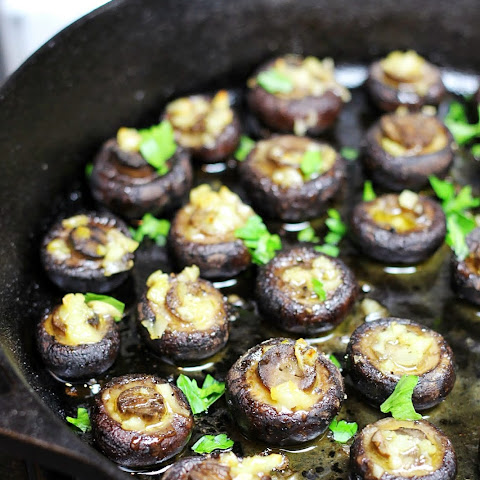 5 Ingredient Easy Garlic Butter Roasted Mushrooms