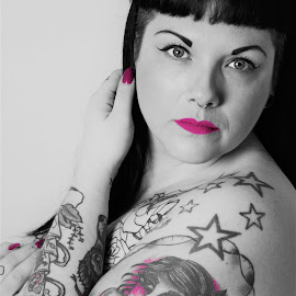 Tattoo Beauty by Vix Paine - People Body Art/Tattoos ( blackandwhite, body, nude, tattoos, body art, pink, beauty, tattoo, bodyart,  )