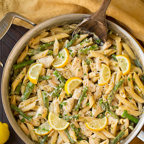 One-Pan Creamy Lemon Pasta with Chicken and Asparagus