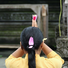 Pray by Krisna Pillay - People Street & Candids ( bali )
