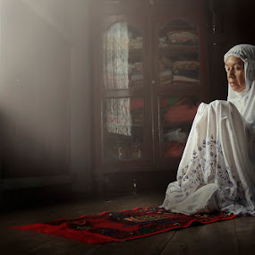 Doa dan Harapan by Rifa Riza - People Portraits of Women