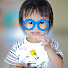 by Simon Yue - Babies & Children Child Portraits