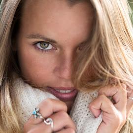 Jodie by Lee Niven - People Portraits of Women ( portraiture, canon, natural light, ambient light, fashion, model, edinburgh, lightinh, beautiful, street, portraits, 100mm, pretty,  )
