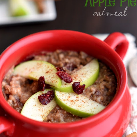 Overnight Slow Cooker Apple Pie Oatmeal