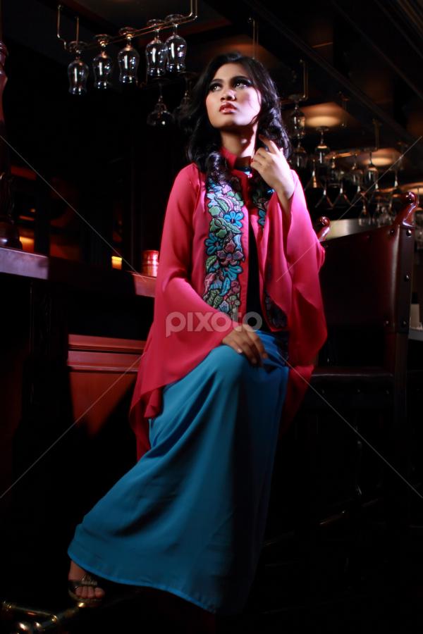 Majapahit 3 by Nanto 사파이어 - People Fashion ( fashion, strobist, woman, beauty, people )