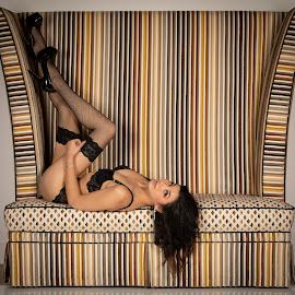 Big chair by Gary Bradshaw - Nudes & Boudoir Boudoir