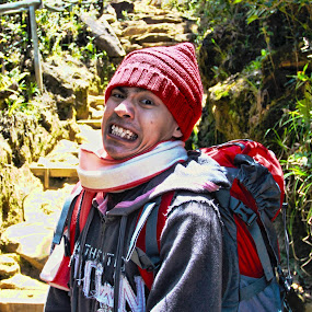 Mountain Hiking @ Mount Kinabalu, Sabah by ChengYang Kng - People Portraits of Men ( mountain, hdr, cold, smile, man, hiking )