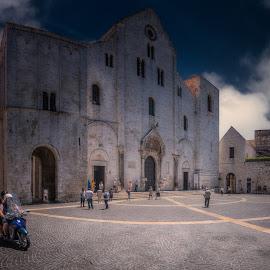 Basilica San Nicola - Bari by Krasimir Lazarov - Buildings & Architecture Places of Worship ( building, apulia, church, puglia, bari, street scene, architecture, basilica, italy, city )